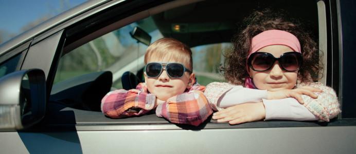 Im Auto in Urlaub